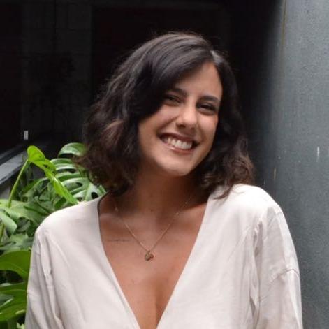 Viviane Tavares