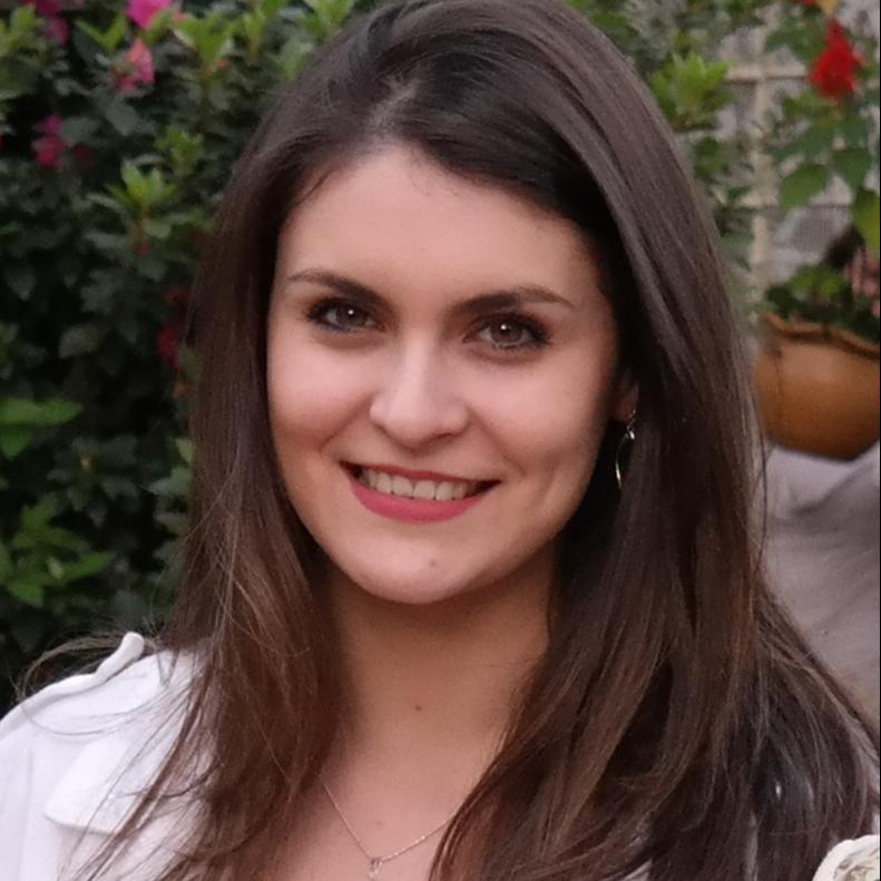 Profa. Manuela Pimentel Leite