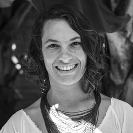 Profa. Ana Paula Braga Salamon