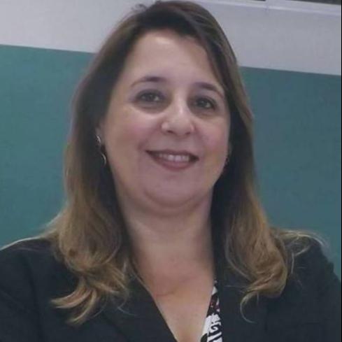 Profa. Melânia Carnhelutti