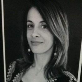 Profa. Andrea Veiga
