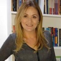 Profa. Vanessa Weber Leite