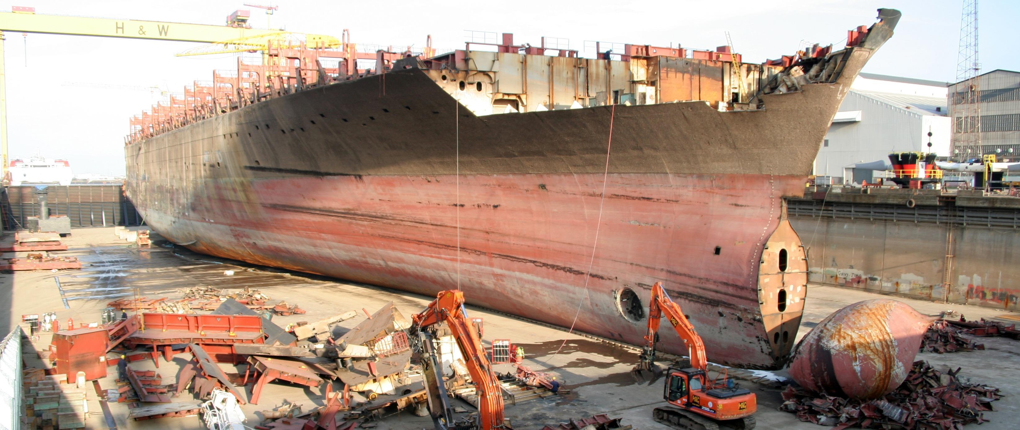 Descomissionamento de Navios e Plataformas de Petróleo