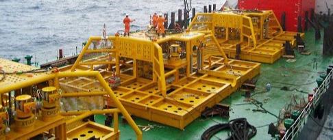 Instalação de Dutos e Equipamentos Submarinos
