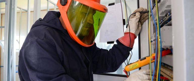 Segurança em Atividades envolvendo Equipamentos e Sistemas Elétricos